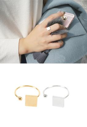 Attica -Ring